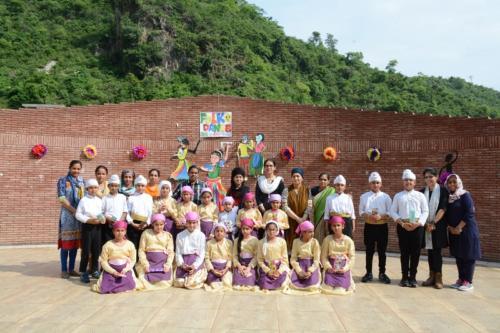 Folk Dance (9)