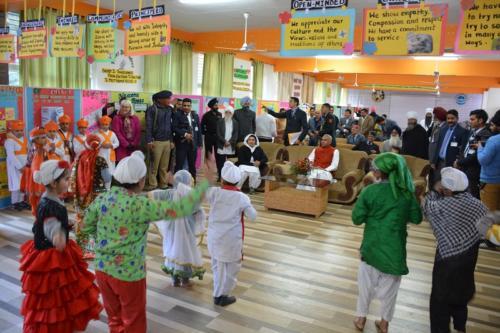 His Excellency, the  Governor of Himachal Pradesh, Acharya Dev Vrat  visited Baru Sahib (6)
