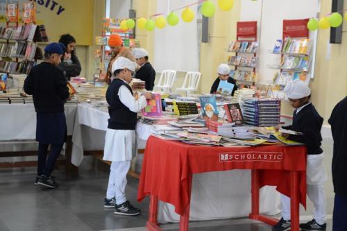 Scholastic Book Fair (3)