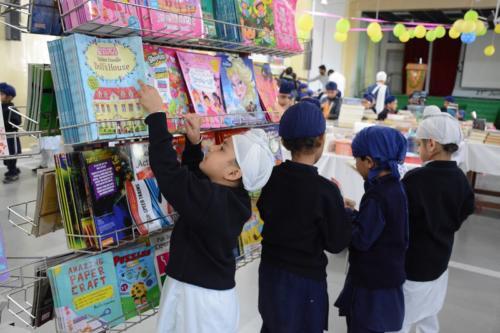 Scholastic Book Fair (5)