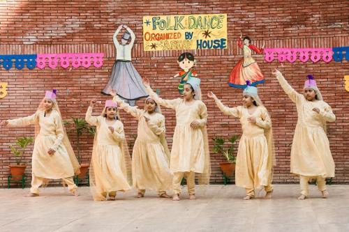 Folk dance 2017 (2)