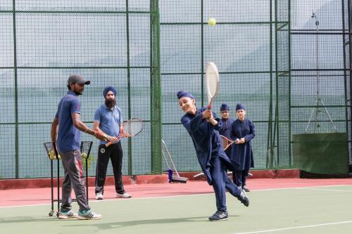 L tennis 2