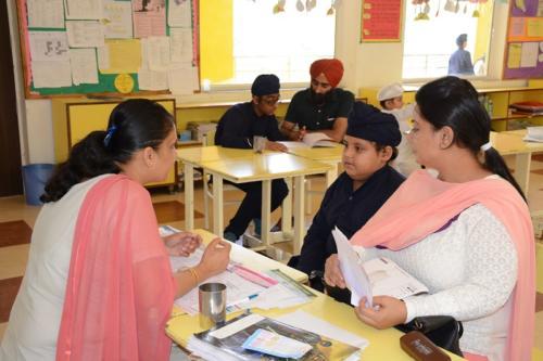 Parents teacher meeting (1)